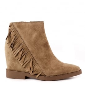 GOSSIP Low-Wedge Fringed Boots Russet Suede