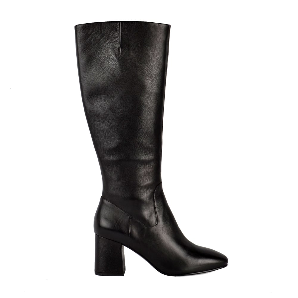 Shop designer boots at Farfetch for the most covetable sock boots, ankle boots, over the knee boots from Gucci, Balenciaga & more with FAST delivery, FREE returns brown square toe 90 leather knee high boots. £ More like this. New Season Gianvito Rossi. Black 70 Leather Slouch Boots. red and black Check 80 Leather and Wool Ankle.